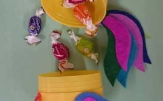 Мастер классы по изготовлению подарков из памперсов. Петух из конфет своими руками: пошаговая инструкция и рекомендации Поделки петуха своими руками из конфет