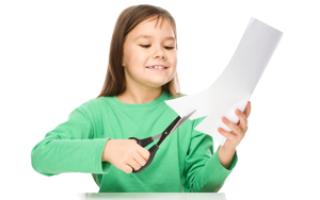 Ребенок ножницы. Как правильно держать ножницы? Полезные советы. Вырезание ножницами в четыре года