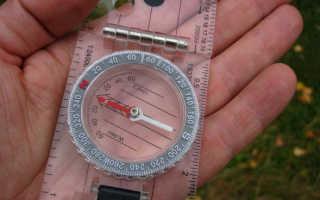 Почему полезно уметь пользоваться компасом. Как работает обычный компас? Куда показывает красная и синяя стрелка компаса
