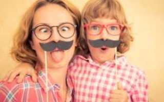 Домашние приколы на 1 апреля для родителей. Разбитый на эмоциях смартфон