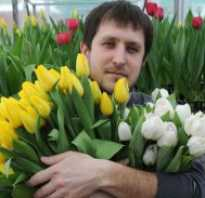 Какой букет подарить мужчине на 70 лет. Мужественный букет. Какие цветы дарят мужчинам