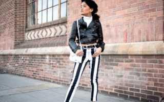 С чем надеть полосатые брюки. Брюки в полоску: с чем носить, как выбрать фасон с учетом особенностей фигуры? Эффектные модели брюк и примеры с фото. Образы с брюками